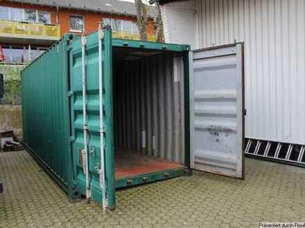 Geräumiger Container auf gesichertem Gelände