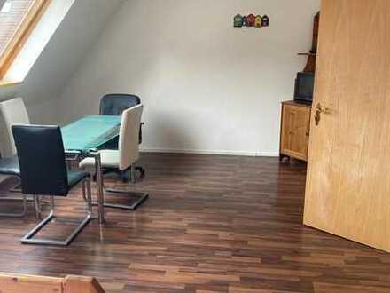 Schöne 3 Zimmer Dachgeschosswohnung in Burladingen - Hausen zu vermieten