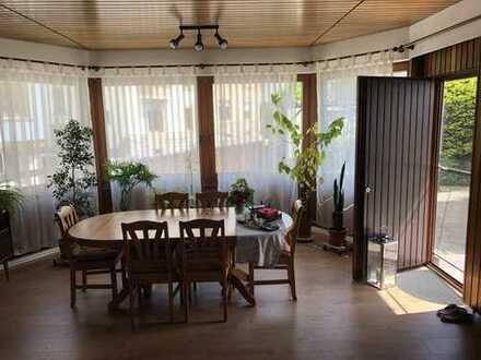 Sehr großzügige 3-4-Zimmer-Wohnung mit Terrasse in Pforzheim für maximal vier Personen