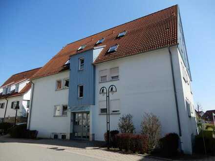Gemütliche Dachgeschoss-Wohnung für Singles oder Pärchen