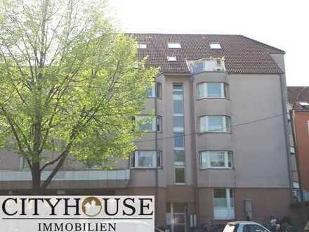 CITYHOUSE: Mitten in der Südstadt. Modernisierte 2 Zimmer Stadtwohnung mit Südbalkon.