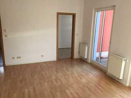 Helle & renovierte 2 Zi. -Terrassenwohnung mit Stellplatz