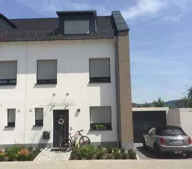 Attraktive Doppelhaushälfte im Pflanzgewann zu Vermieten!