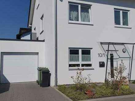 Neulingen-Bauschlott- Moderne Doppelhaushälfte