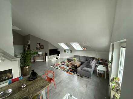 Provisionsfreie schöne 3-Zimmer Wohnung (bei Bedarf Umbau zu 4-Zimmer Wohnung möglich)