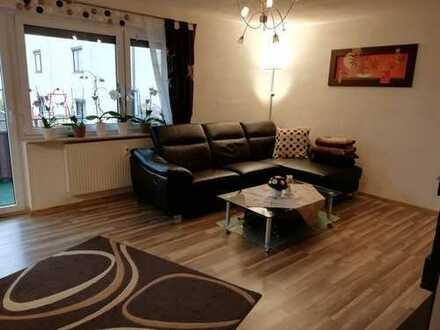 RESERVIERT!!! Gepflegte 3,5-Zimmer-EG-Wohnung mit zwei Balkone und Einbauküche in Hochdorf