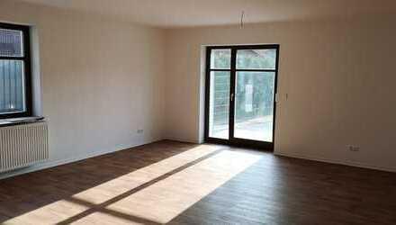 ERSTBEZUG nach Kernsanierung!!! 3 Zimmer mit Terrasse