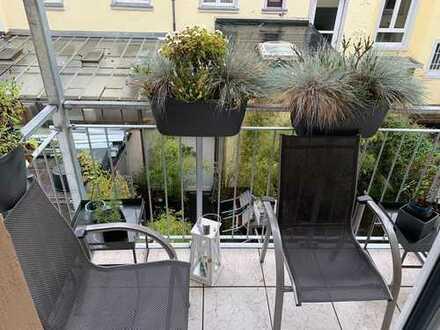Moderne 3-Zimmer-Altbauwohnung mit Balkon und EBK in Top-Lage in Frankfurt am Main