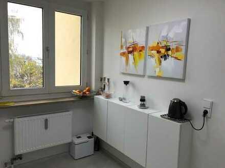 2 Zimmer Luxus Wohnung *möbliert* renoviert in Bestlage