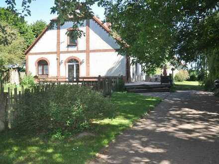 Idyllisch gelegenes Grundstück mit Wohn- und Ferienhaus