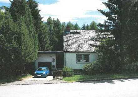 Zwangsversteigerung !! Einfamilienhaus mit Wintergarten und Garage