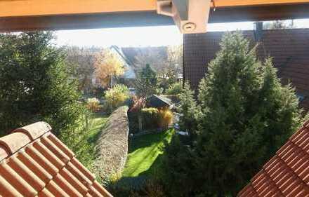Gemütliches WG-Zimmer im Dachgeschoss einer Doppelhaushälfte im Großraum München