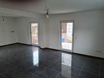 Schönes, neu saniertes Einfamilienhaus mit Balkon und Terrasse in bester Lage von Erzhausen