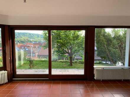 1-Zimmer-Wohnung mit Aussicht, Terrasse und Garten