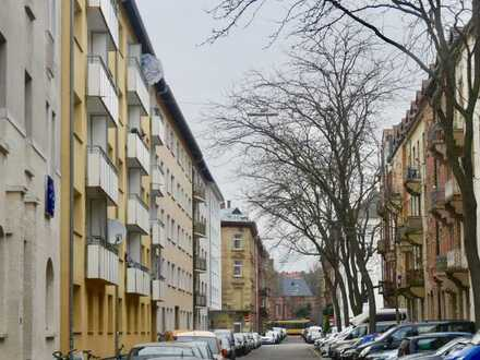 4 Zi Altbauwohnung mit Balkon, Innenstadt-Ost Lachnerstr. in ruhige Lage