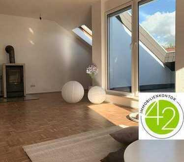 Langen-Steinberg, modern und exklusiv, 2 Zimmer-Dachgeschosswohnung mit Loggia und Kamin