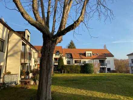 * gemütliche 3-Zimmer-Whg. mit großem Balkon und großem Gemeinschaftsgarten *