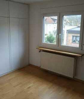 Neckargemünd mit Blick auf den Dielsberg: kompl. renovierte 2,5 ZKB DG. mit EBK in 3 Fam.Haus