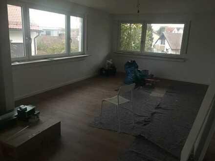 Helle, vollständig renovierte 2-Zimmer-EG-Wohnung in Remseck a. N. (Stadtteil Aldingen)