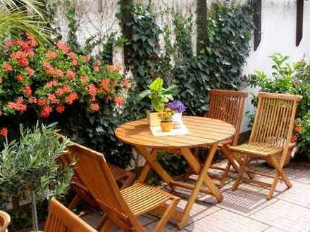 31 qm Wohnen/Essen, Tageslichtbad, grosszügige Fensterflächen und eigener 280 qm Privatgarten!!