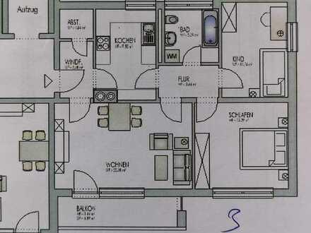 Sanierte Wohnung mit drei Zimmern sowie Balkon und Einbauküche in Selb