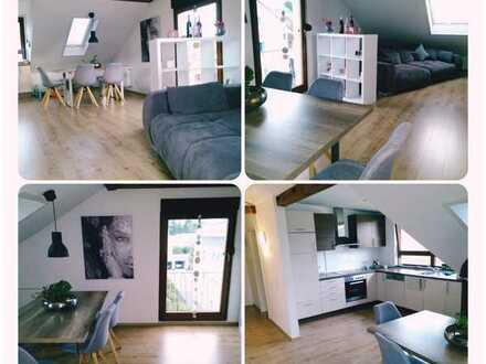 Wunderschöne möblierte Dachgeschoßwohnung in ruhiger Wohnlage in Wiesloch - Kurzfristmieten möglich