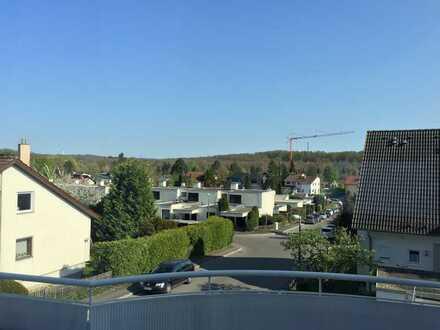 Exklusive 3-Zimmer-Maisonette-Wohnung mit Balkon und EBK in Sindelfingen