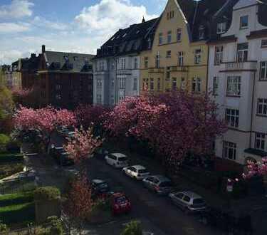 Wohnen in einer 2 Zimmer Wohnung in einer der schönsten Straßen Düsseldorf's