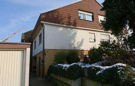Schönes Haus mit sieben Zimmern in Esslingen (Kreis), Großbettlingen