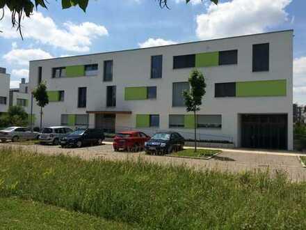 Helle, geräumige zwei Zimmer Penthouse-Wohnung mit Balkon in Neu-Ulm (Wiley) -provisionsfrei-