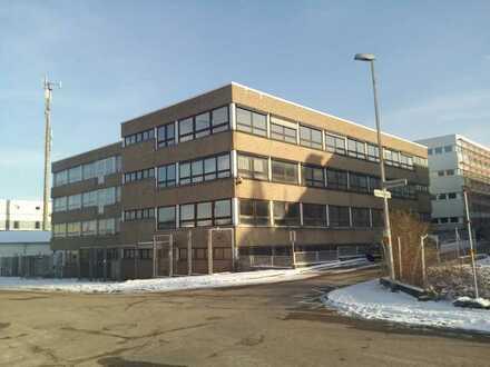 Ehem. Schmuckwarenfabrik, ca. 4.300 qm Fläche, 4-geschossig, bei Pforzheim, zu vermieten