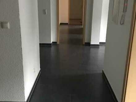 Sehr Schöne 5-Zimmer-Wohnung mit EBK in Idar-Oberstein
