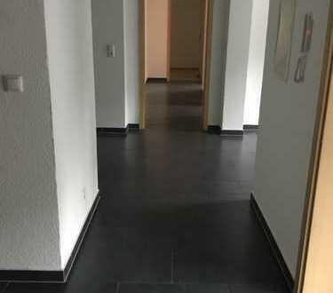 Sehr Schöne 4-Zimmer-Wohnung mit EBK in Idar-Oberstein