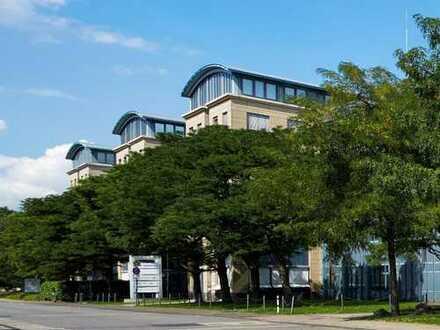 Attraktives Penthouse-Office! Sofort bezugsfrei - Renovierung nach Mieterwunsch