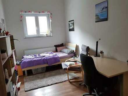 schönes Zimmer 360 € all inclusive in 4er WG