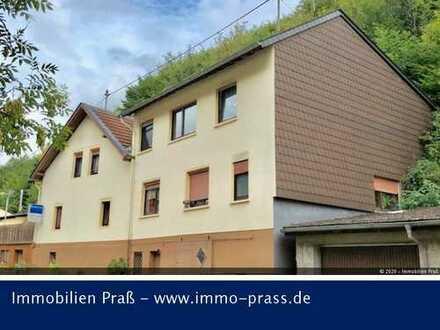 PREISSENKUNG! Freistehendes Zweifamilienhaus mit tollem Blick auf die Dalburg