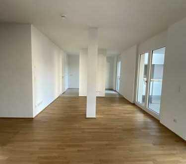 4-Zimmer-Wohnung im modernem und stilvollem Ambiente in Berlin Mitte mit Balkon!