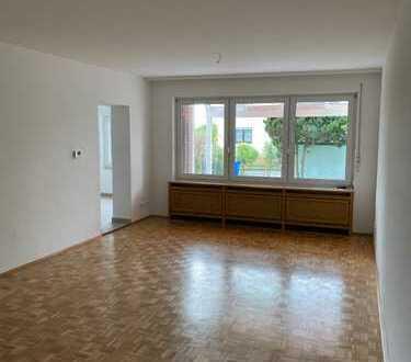 ***WELCOME HOME*** - einmalige Chance - 4,5 Zimmer-Haus, Wohnküche, neu saniertes Bad, Garten uvm.!