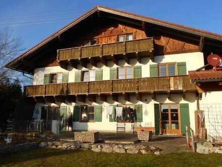 2 - Zimmer - Dachgeschosswohnung mit Balkon in Rott - Landkreis Weilheim
