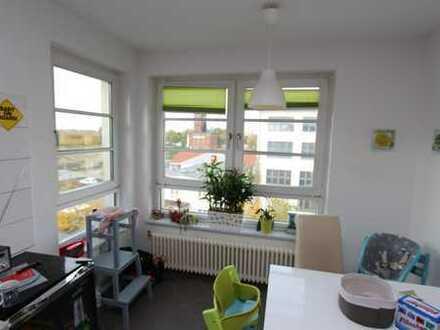 Schöne 3 Zimmer Dachgeschosswohnung mit Balkon!