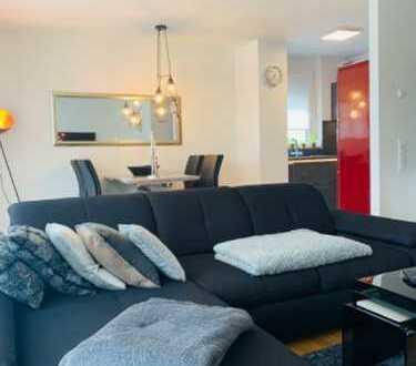 Moderne, lichtdurchflutete Wohnung in ruhiger, grüner Lage mit Stellplatz! (Auch möbliert mietbar!)