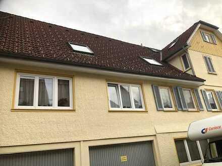 Gepflegte Wohnung mit zwei Zimmern und EBK in Pfalzgrafenweiler