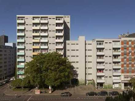 Moderne 1- Zimmer-Wohnung mit Balkon und Einbauküche in Kreuzberg zu vermieten!