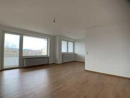 Franzosenbauer mit Bergblick - Erstbezug nach Sanierung mit Balkon: schöne 3-Zimmer-Wohnung