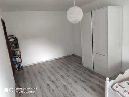 WG Zimmer in Puchheim 19m2