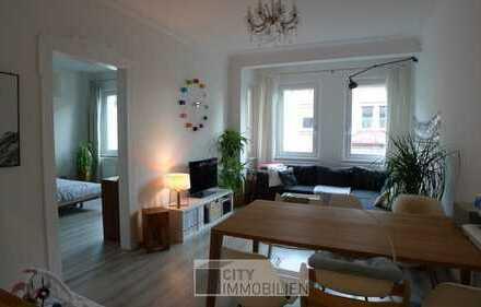Tolle Altbauwohnung mit Balkon und Einbauküche in St. Johannis