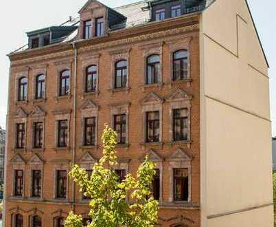 Dachgeschosswohnung über 2 Etagen mit Balkonblick auf den Park - Einbauküche möglich