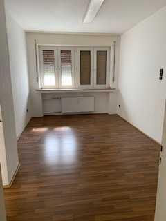 Attraktive, vollständig renovierte 3-Zimmer-Wohnung zur Miete in Gelsenkirchen