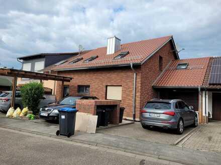 Modernisierte 2-Zimmer-Wohnung mit Einbauküche in Dannstadt-Schauernheim