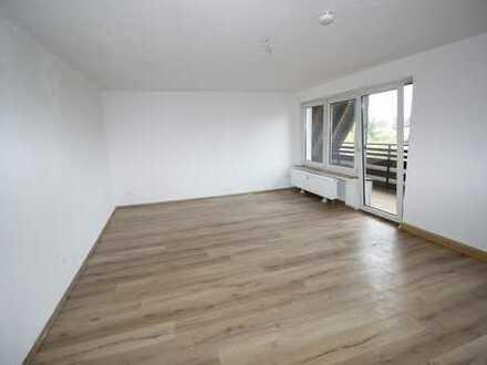 *Die Miete macht's* 2 Zimmer-DG-Wohnung mit Balkon in Bochum Wattenscheid